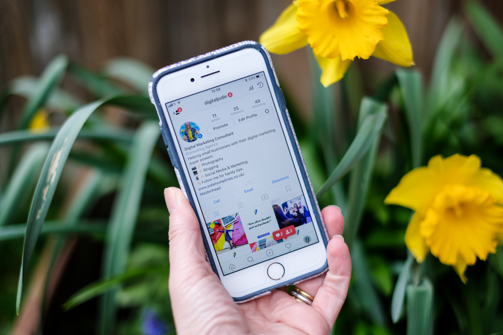 7 simple ways to spring clean your Small Business Instagram Bio.